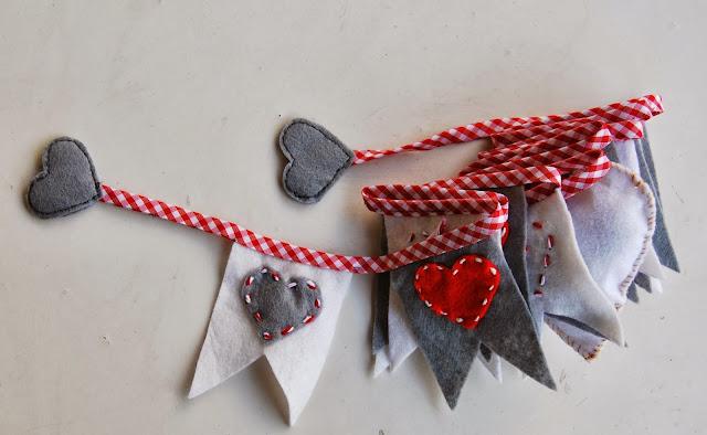 http://sosunnyblog.blogspot.com.es/2013/12/guirnalda-de-navidad-handmade-christmas.html