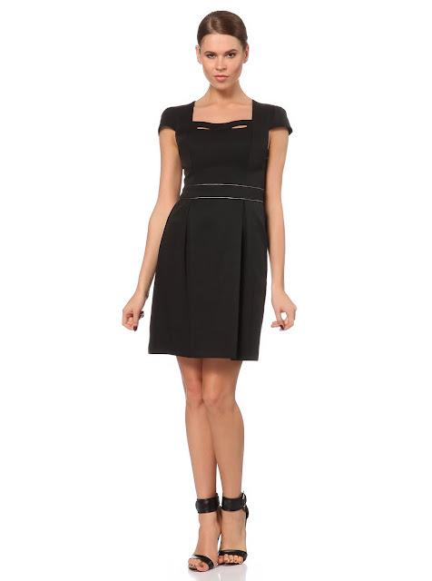 kare yaka çizgi detaylı kısa siyah elbise