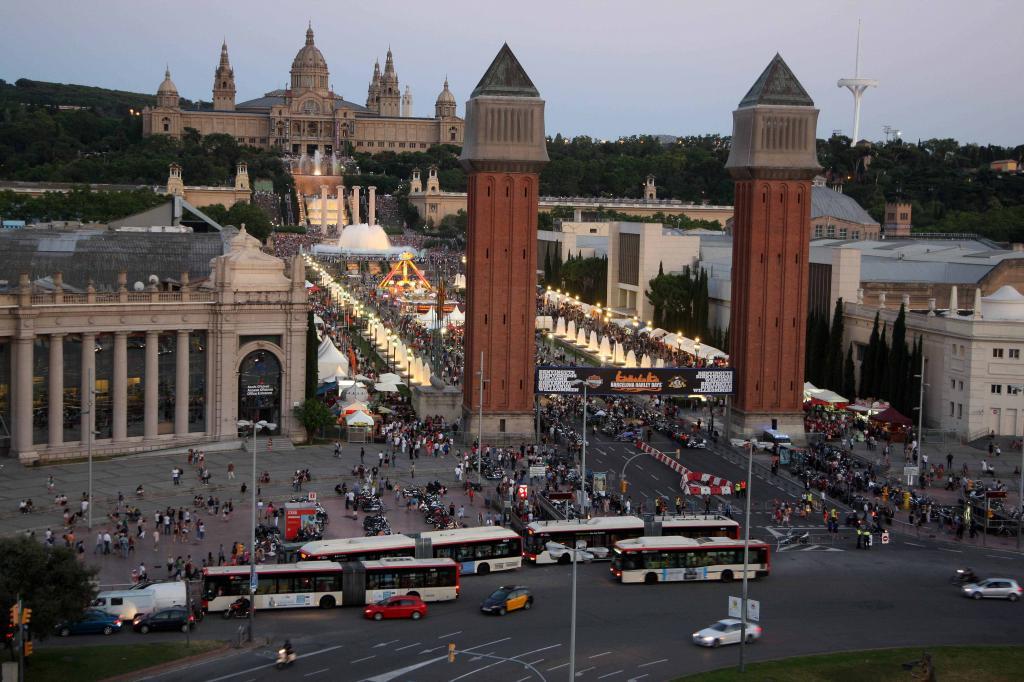 Top 10 hostels econ micos en barcelona aeroleo for Hoteles muy baratos en barcelona