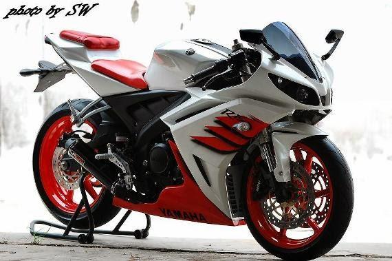 Motor Yamaha Vixion dengan Full Fairing