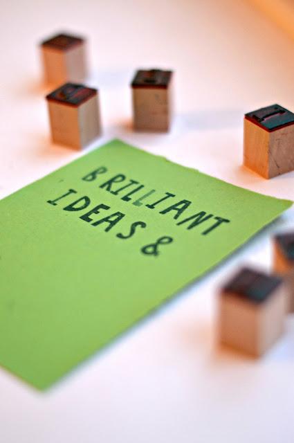 Papier, Stempel und brilliante Ideen