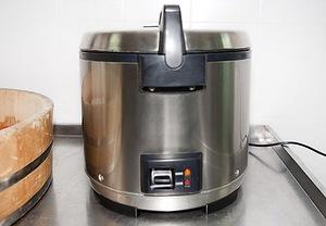Выбираем и готовим рис для роллов (Варианты рецептов приготовления риса и заливки)