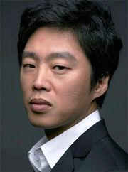 Biodata Kim Hee Won Pemeran Jung Min Chul