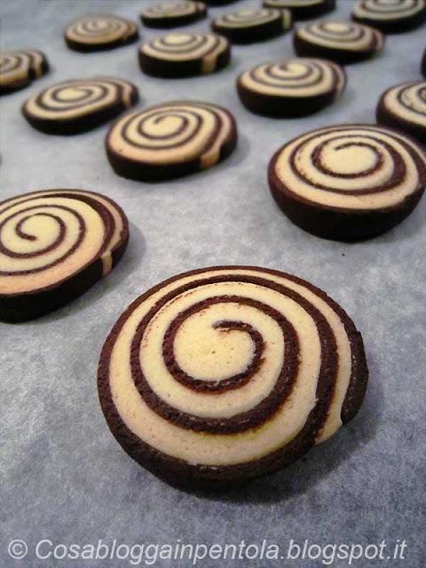 biscotti pasta frolla cioccolato chocolate cacao cosa blogga in pentola ricetta cosabloggainpentola
