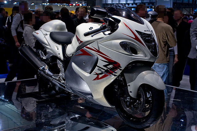 HDesigned By A Suzuki Hayabusa Is The Fastest Motorcycle In The World. With  A 1300CC Engine Produces 175 Horsepower And Has A Speed Limit Up To 189 Mph.