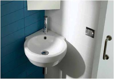 Ahorra espacio en el baño con lavabos esquineros