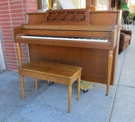 25% OFF PIANOS SALE!
