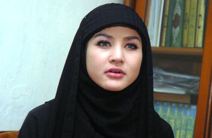 Moments Artis Hot Indonesia Berjilbab Berkerudung..... | Blog ...
