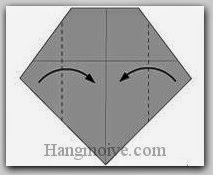 Bước 5: Gấp hai góc giấy vào trong.