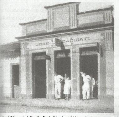 CASA DE SECOS E MOLHADOS DISCACCIATI