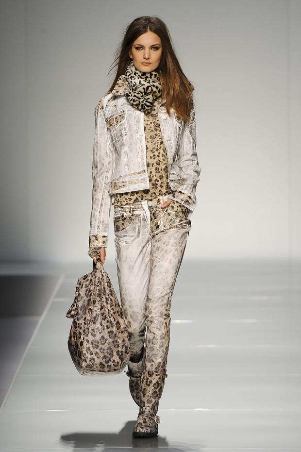 Blumarine+fall Winter+2012 2013+milan+fashion+week+(25)jpg