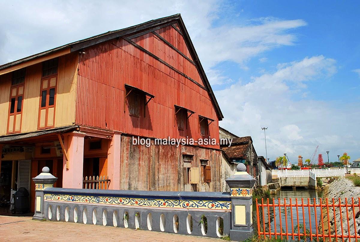 Wooden Shop House in Terengganu