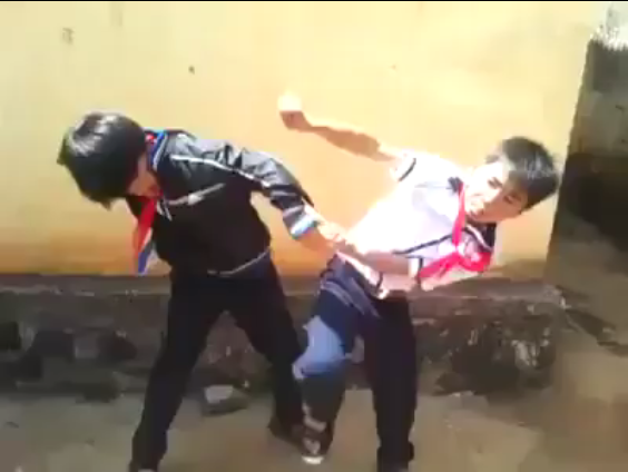 Gia Lai: Con trẻ đánh nhau, phụ huynh giết người
