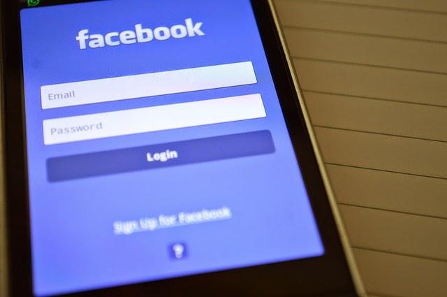 Facebook, una red social 'peligrosa' para las parejas