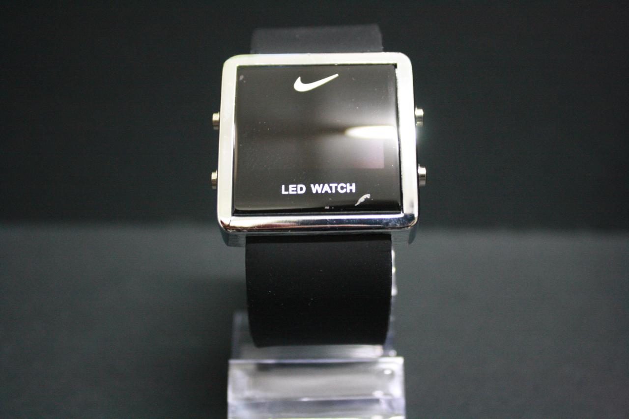 Часы led watch созданы известной компанией «adidas» – лидером среди производителей спортивных товаров.