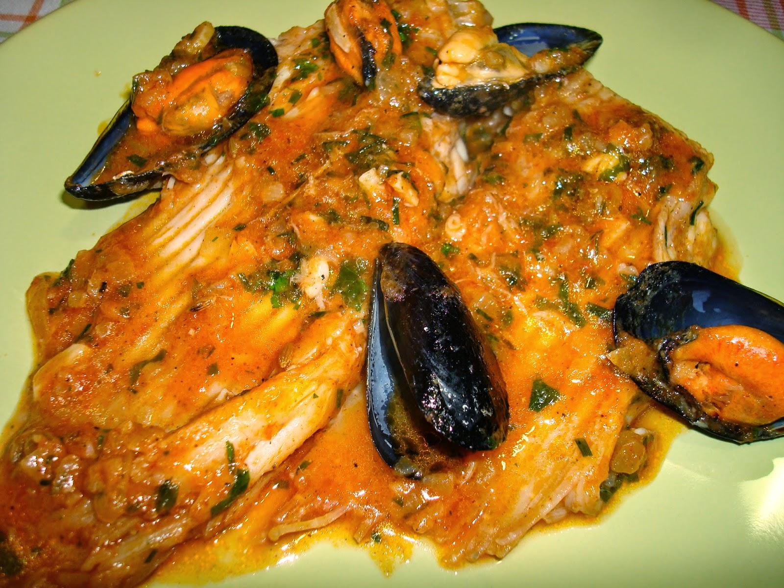 pescado Raya en salsa con mejillones