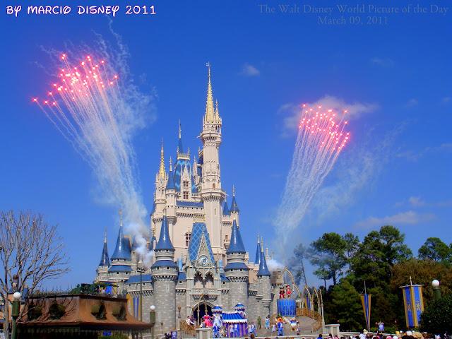 walt disney world castle fireworks. THE CINDERELLA CASTLE