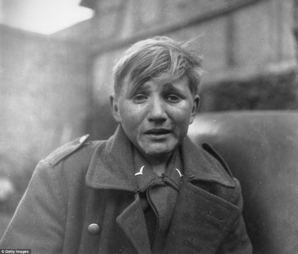 Hans-Georg Henke - 15 Year Old German Soldier crying
