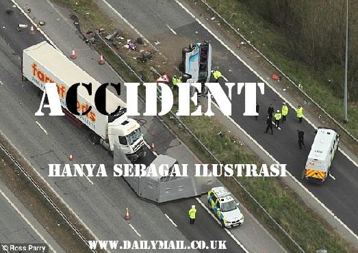 Kecelakaan Di Beloran, Sragen, Truk Bermuatan Kertas Ditabrak Kereta Api