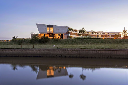 Yacht Club House by Estudio Ramos