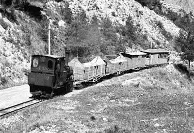 tren pobla lillet fabrica clot del moro asland abandono tren cement cemento