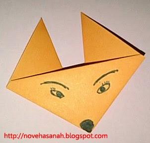inilah contoh origami yang cocok untuk anak-anak TK, origami serigala yang sangat gampang dibuat