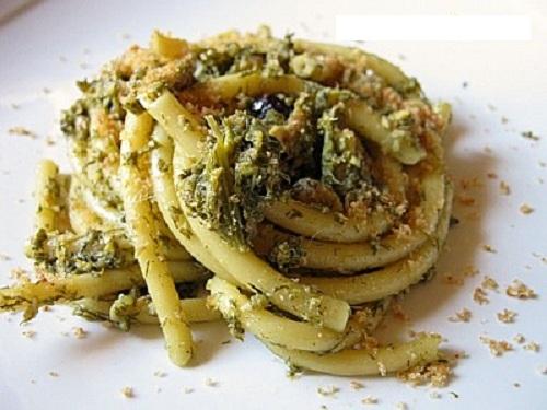 Pasta cchi sardi (pasta con le sarde)