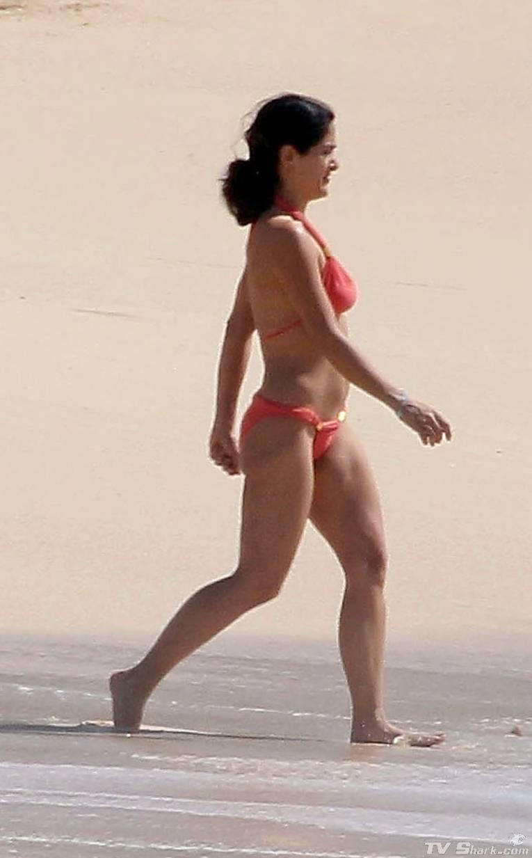 Selma hayek bikini pics