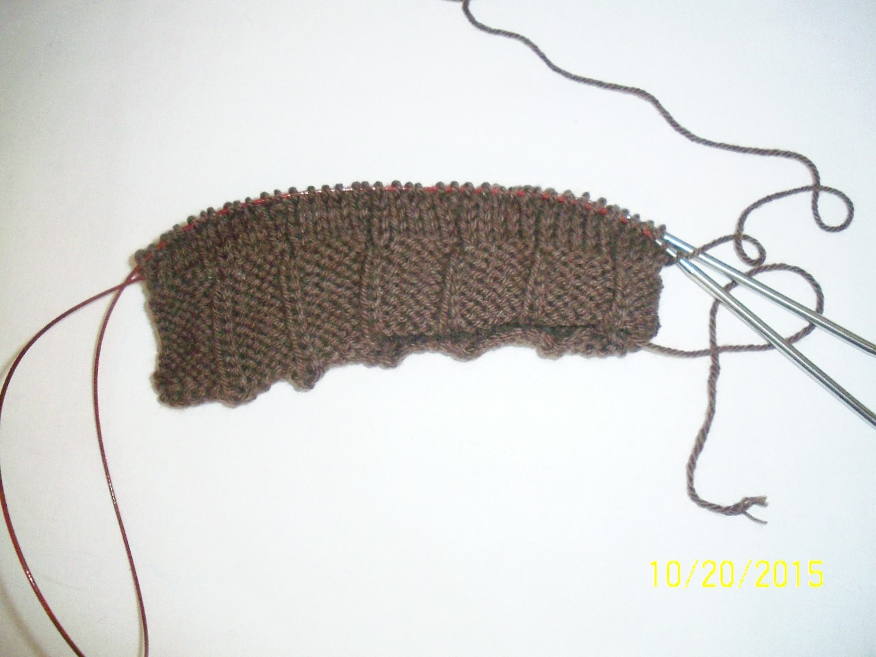 Lilies Knitting Blog: Dads Brown Hat - DONE!
