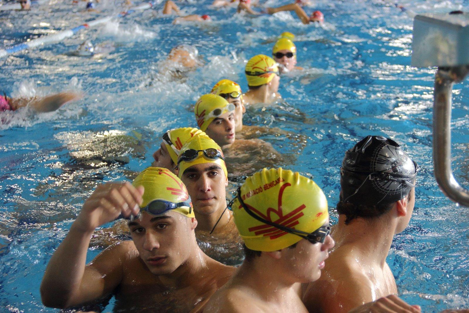 Natacion y senderismo control provincial 2 en la piscina for Piscina benicarlo