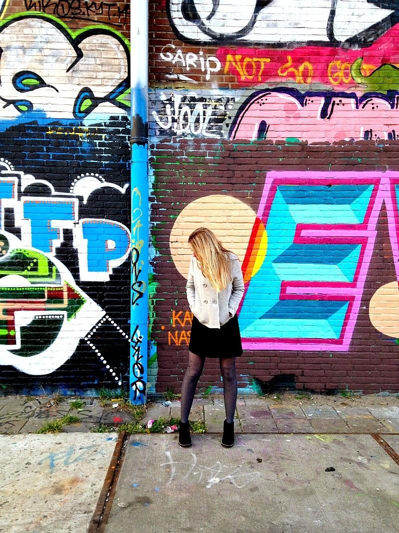 Lori in NDSM-werf wearing Boden graffiti