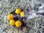 Tort cu nuca preparare reteta blat - galbenusurile amestecate cu lichid