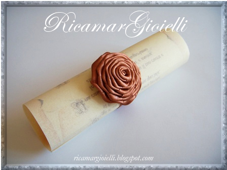rosa realizzata con nastro di raso