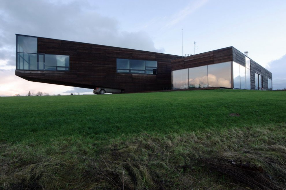 Contemporary Cantilever House Design By Paris Architects: Contemporary Cantilever House In Lithuania: Most Beautiful