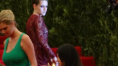 Kristen Stewart - Imagenes/Videos de Paparazzi / Estudio/ Eventos etc. - Página 31 DSC01412