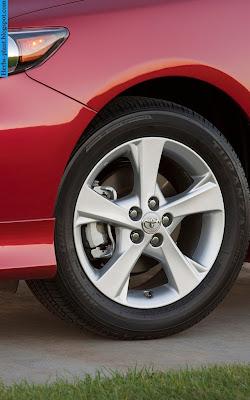 Toyota corolla car 2012 tyres/wheel - صور اطارات سيارة تويوتا كورولا 2012