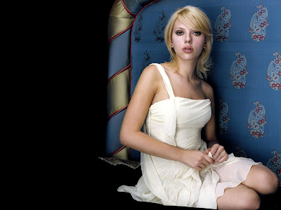 Scarlett Johansson HD white dress Wallpaper
