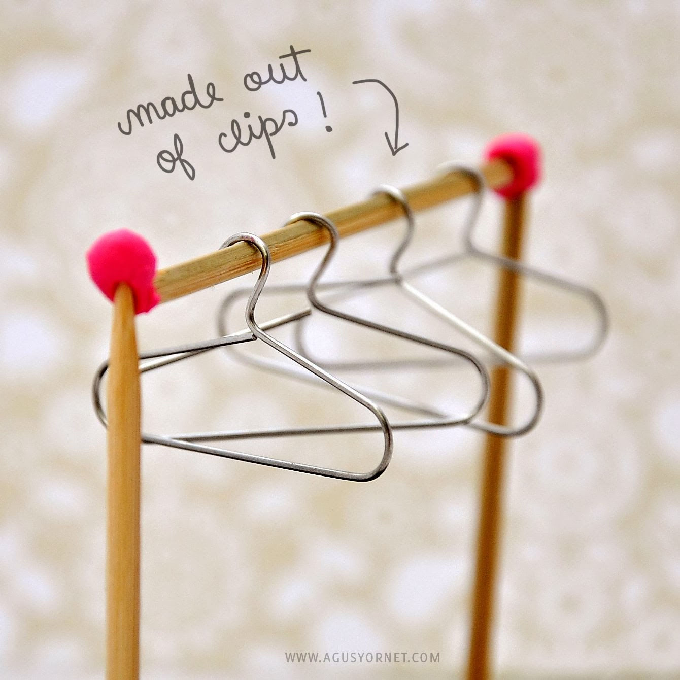 Diy from paper clips to mini hangers agus yornet blog for Things you can make with paper clips