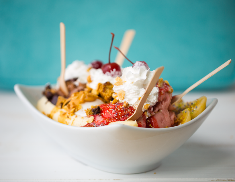 2015_08_22_banana-split-day-recipe_9999_153vegan-banana-split13008.png