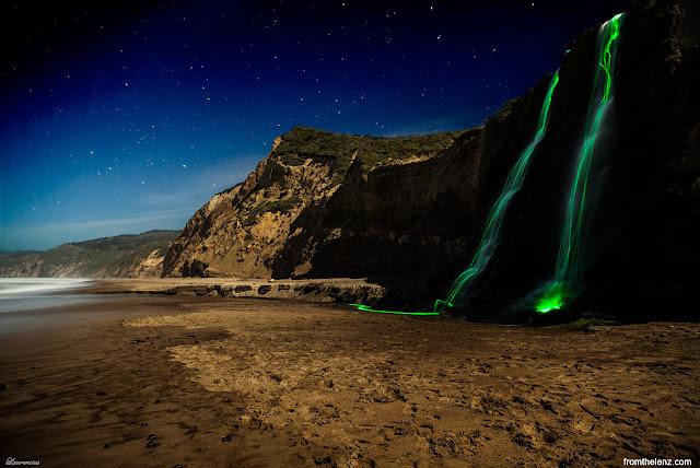 Foto-Air-Terjun-Cahaya-Neon-Karya-Sean-Lenz-dan-Kristoffer-Abildgaard-4