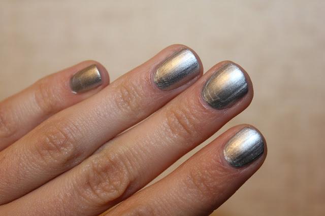 Essence Silver Twister