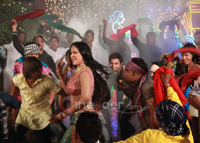 Veena+Malik+Jatts+in+Golmaal+item+song+(5)