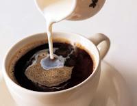 kopi dan krim mengandung kalori yang tinggi