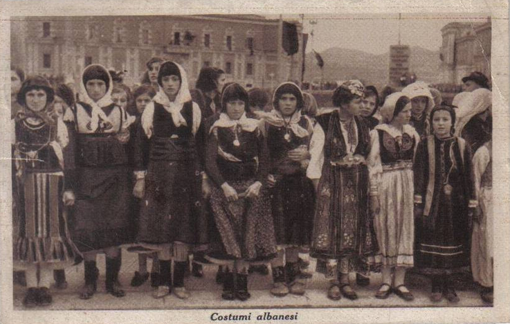 Costumi Albanesi