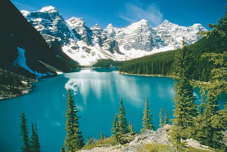 Amzing Place Lake Louise looking gorgeous