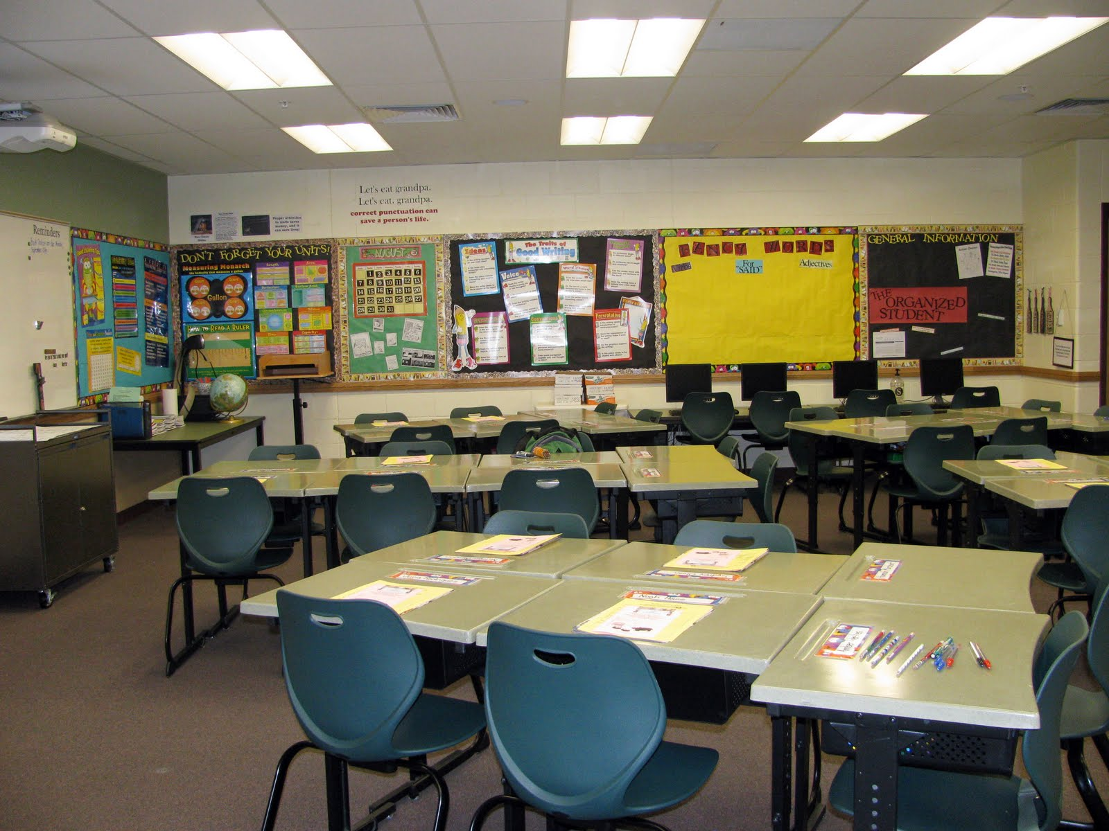 Junior Classroom Ideas ~ Controlling my chaos back to school and a classroom tour