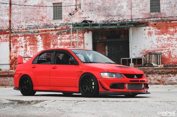 Mitsubishi Lancer Evolution Vermelho