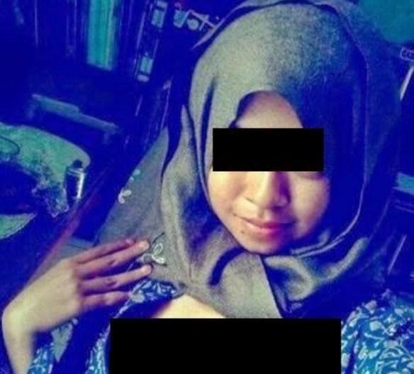Gambar Selfie Awek Melayu Bertudung Berani Pamer Aset Di Twitter 8 Foto