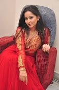 Ishika singh latest dazzling photos-thumbnail-16