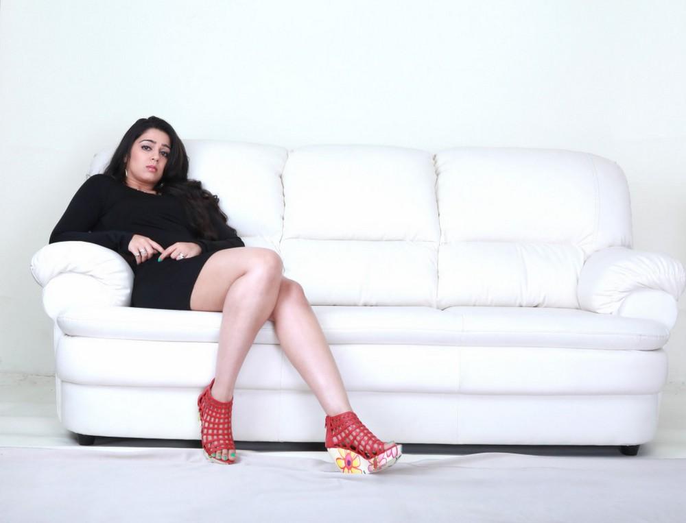 hot and sizzling Charmi pics